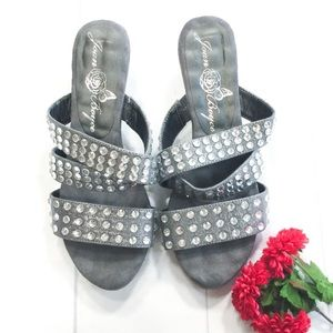 ⭐️GRAY CRYSTAL STUDDED SANDALS⭐️